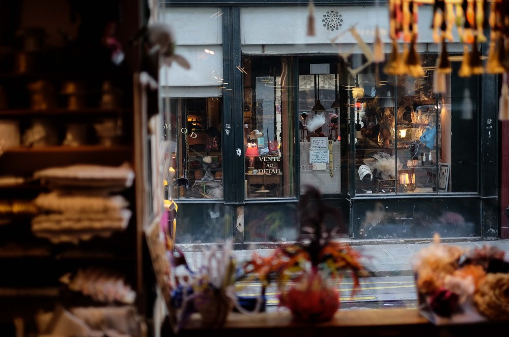 ultramod Paris hat shop haberdashery 1860