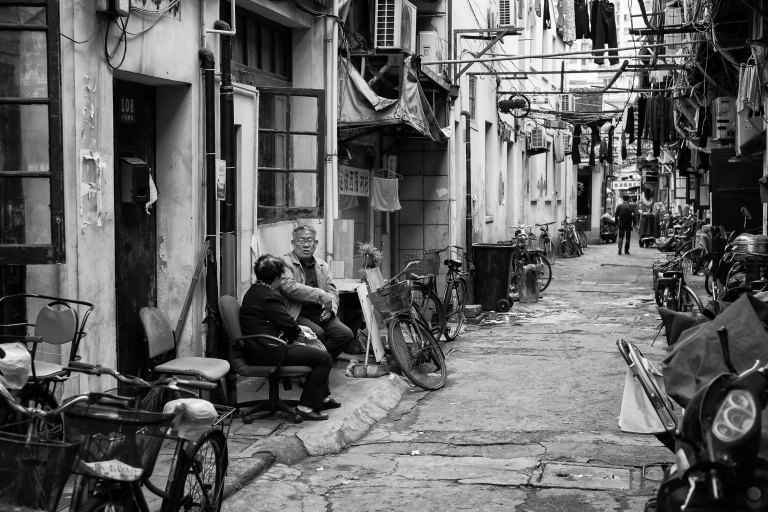 Morning chat in the alleyways of Shanghai