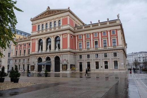 -1917_LucerneFestivalOrchestraOnTour_Vienna_c_GeoffroySchied_LUCERNEFESTIVAL