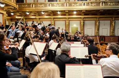 -2011_LucerneFestivalOrchestraOnTour_Vienna_c_GeoffroySchied_LUCERNEFESTIVAL