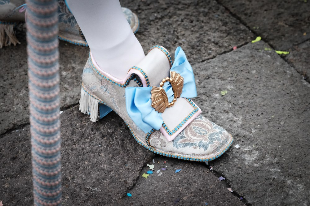 Mignonne 2's shoes, Venezia Carnival