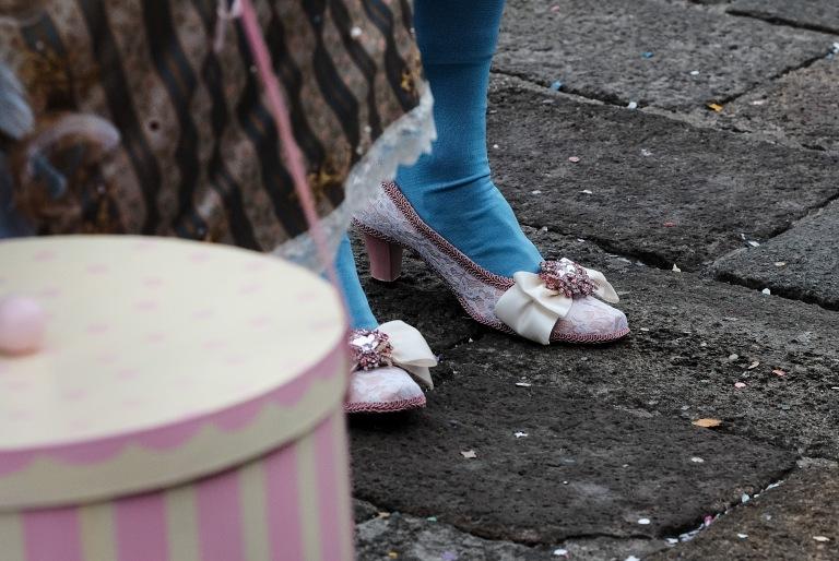Mignonne 1's shoes