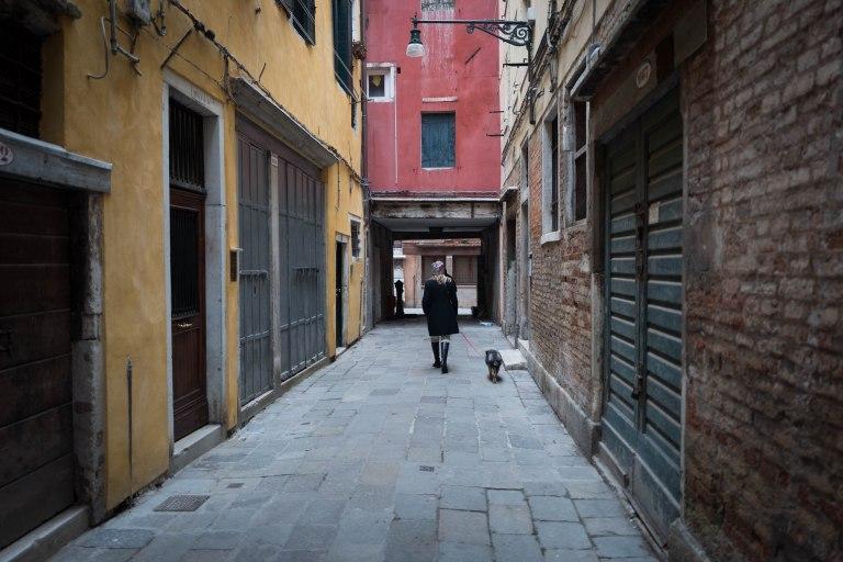 Lady and the dog, Venezia