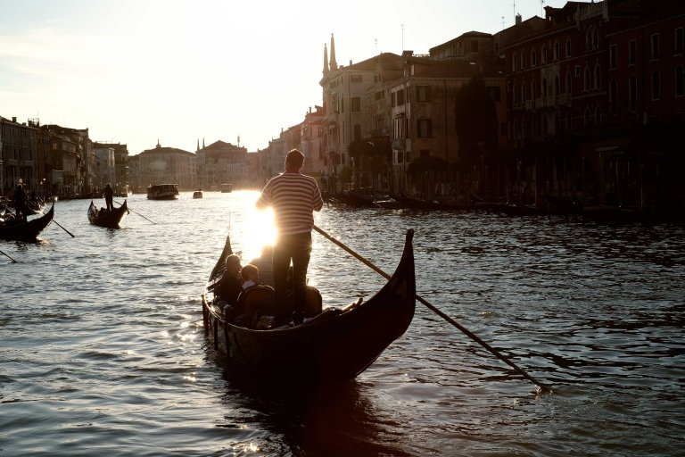 Procession of gondolas, Venezia