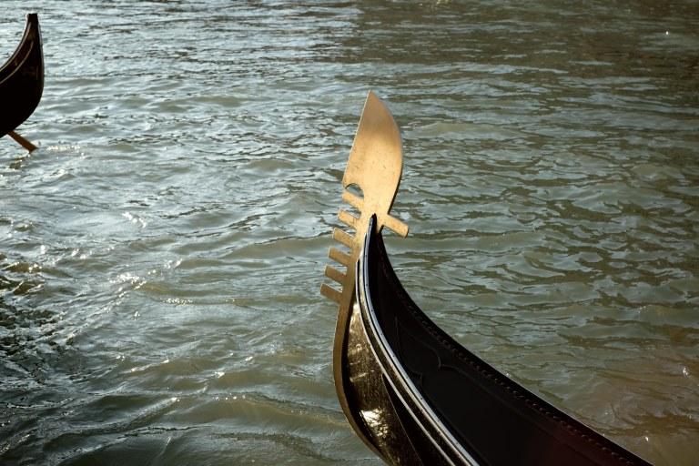 Sei Sestieri e Giudecca, gondola in Venezia