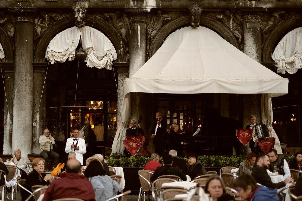 Aperitivo at Florian's, piazza San Marco, Venezia
