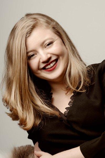 Emily Hoile, Harpist